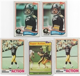 --TERRY BRADSHAW, LOT OF (5) TOPPS  FOOTBALL CARDS. PITTSBURGH STEELERS HOF.